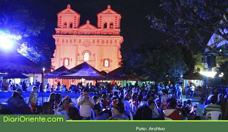 Photo of Inician las Fiestas de los Zócalos el Turismo y el Embalse en Guatapé