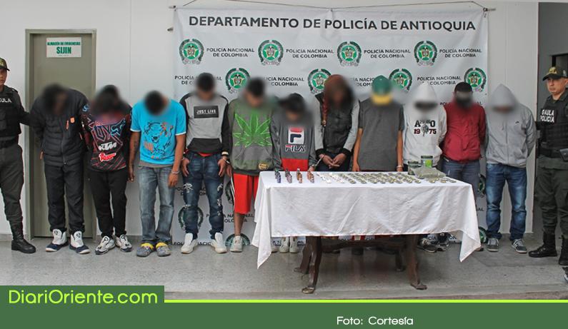 Photo of Policía capturó a 13 miembros de la banda 'El Laberinto' dedicados a la extorsión en Rionegro
