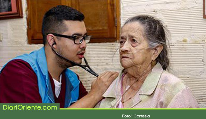 Photo of Llevan a domicilio atención hospitalaria a los adultos mayores y personas con discapacidad
