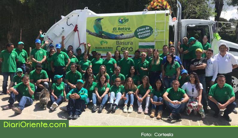 Photo of Un nuevo vehículo recolector de residuos fue entregado en El Retiro