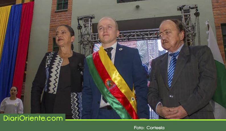 Photo of Se posesionó Nelson Carmona Lopera, alcalde de La Ceja