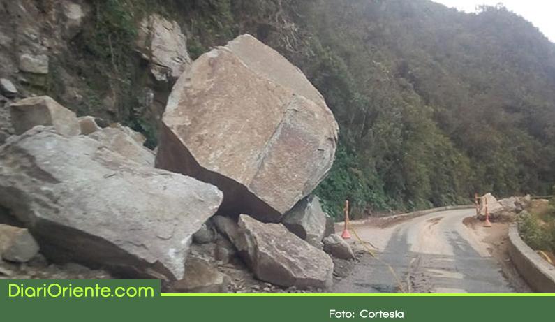 Photo of Nueva caída de rocas en la vía Sonsón – Argeñia – Nariño