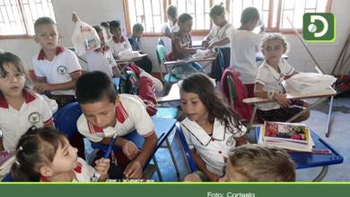 Photo of Entregan útiles escolares a 6.500 estudiantes en Sonsón