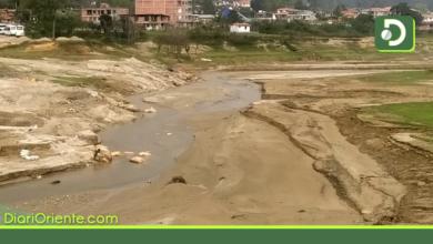 Photo of Aprovechan bajos niveles del embalse Peñol – Guatapé para extraer arena