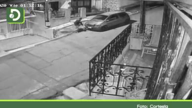Photo of Rionegro: En video quedó registrado el hurto a un vehículo en el barrio La Cooperativa