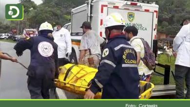 Photo of Trágico accidente en la vía Medellín – Bogotá deja tres muertos y dos heridos de una misma familia