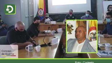 Photo of Video: Concejal de Guarne cae en la «broma de los gemidos» en plena sesión
