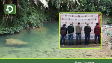 Photo of Capturados 5 hombres dedicados a la minería ilegal, contaminando río verde en Sonsón