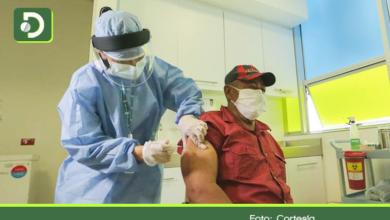Photo of Colados: más de 1.200 personas en Colombia han sido vacunadas sin ser prioridad