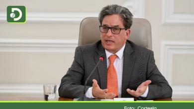 Photo of Tras el fracaso de la reforma tributaria, renuncia el Ministro de Hacienda, Alberto Carrasquilla